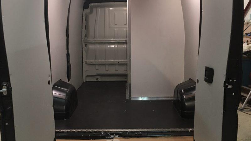 MULLER-VP - Citroen-Jumper-vente-itinérante-cabine-essai-et-wc-3