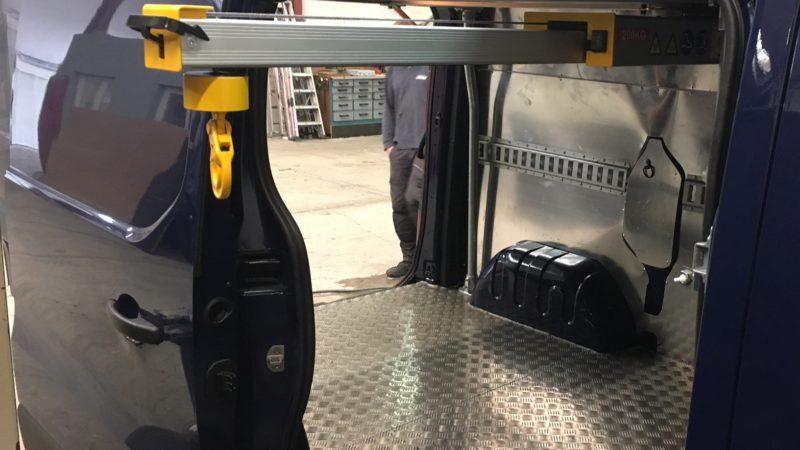 MULLER-VP - Renault-Trafic-système-de-chargement-EasyLoad-200kg-2